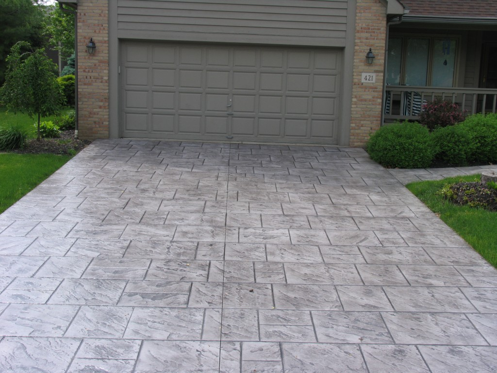 Ashlar slate stamped pool deck with lanon stone color and smoke ...